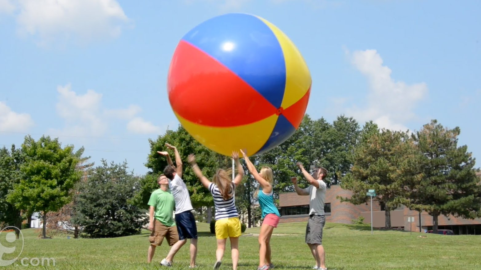 beach ball games - HD 1565×880
